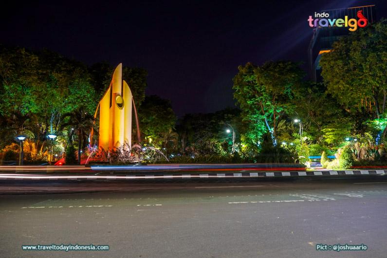 Monumen Bambu Runcing Surabaya Tegak Menjaga Sejarah Monument Jawa Timur