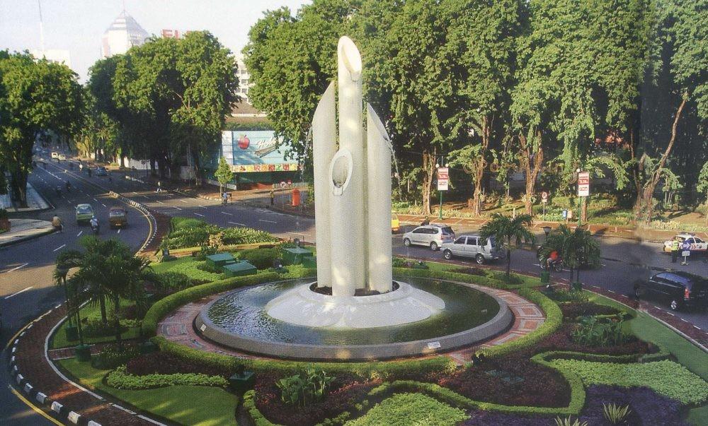 Monumen Bambu Runcing Xplora Id Budaya Wisata Surabaya Kota