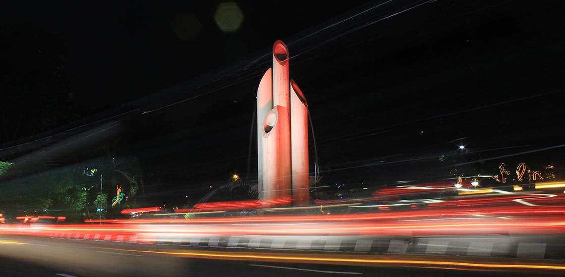 Rekam Jejak Semangat Perjuangan Monumen Bambu Runcing Surabay Surabaya Wisata