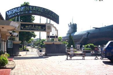 Area Monumen Museum Kapal Selam Monkasel Surabaya Jalan Pemuda Wisata