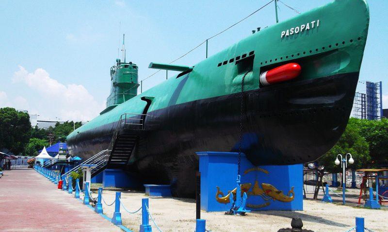 Kapal Selam Surabaya Monumen Wisata Kota