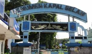 Monumen Kapal Selam Museum Unik Berbentuk Kabar Surabaya Wisata Kota