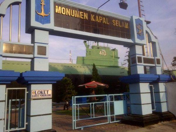 Monumen Kapal Selam Terkenal Surabaya Lihat Id Loket Wisata Kota