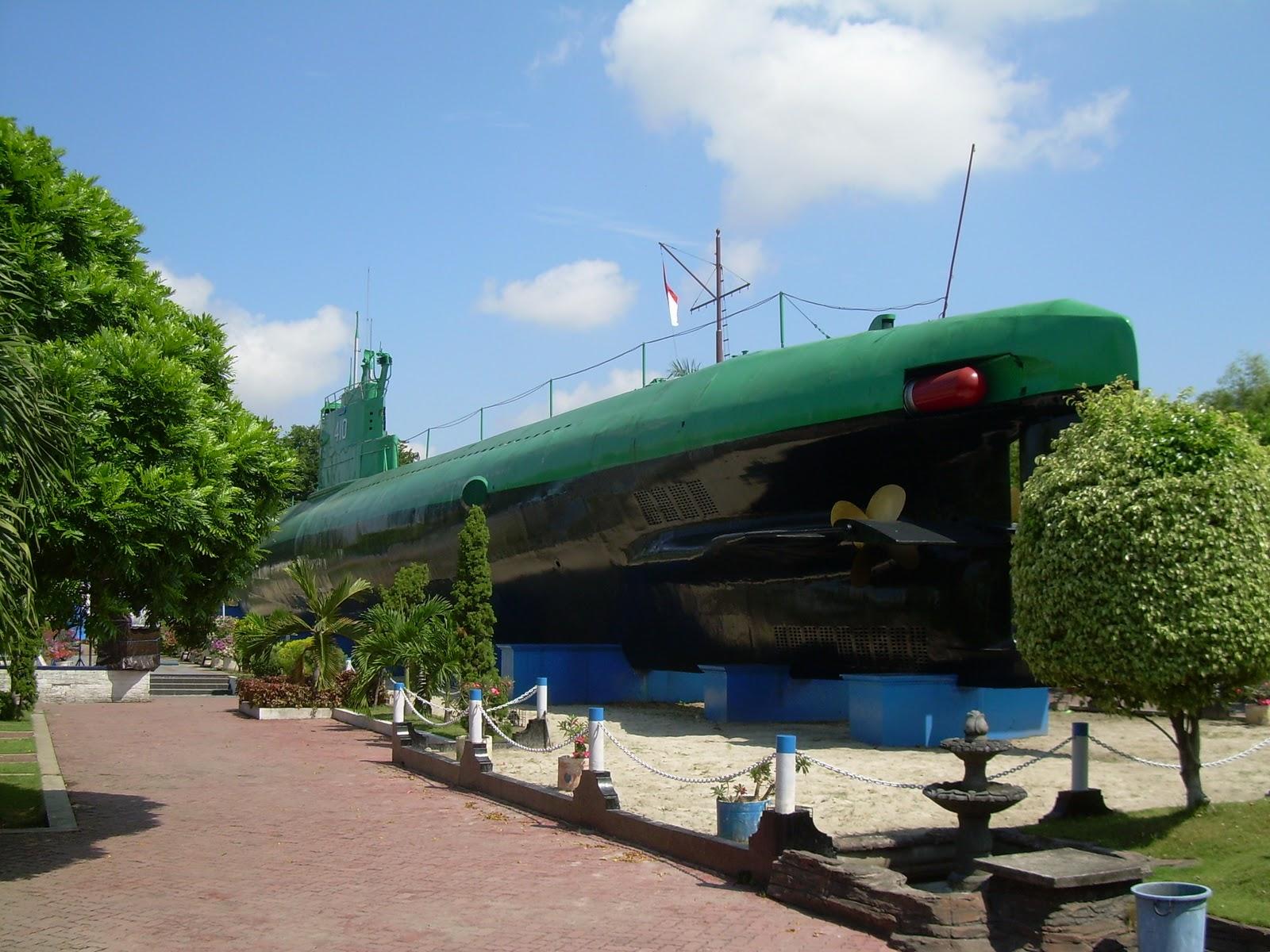 Museum Kapal Selam Junggaluh Salah Satu Menarik Surabaya Monumen Berlokasi