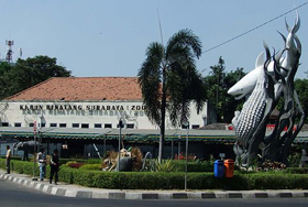 Paket Wisata Surabaya 3 Hari 2 Malam Murah Monumen Kapal