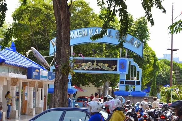 Wisata Monumen Kapal Selam Surabaya Herikiswanto Bantaran Sungai Kalimas Jl