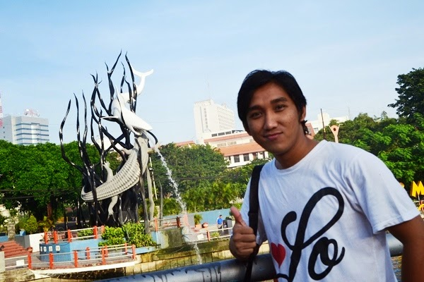 Wisata Monumen Kapal Selam Surabaya Herikiswanto Oiya Sekitar Lokasi Terdapat