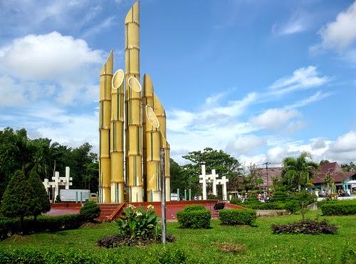 Destinasi Wisata Surabaya Monumen Bambu Runcing Mengenang Sejarah Kepahlawanan Pahlawan