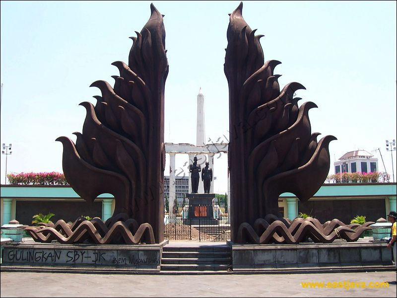 Galeri Foto Tugu Pahlawan Surabaya Sebagai Simbol Kepahlawanan Arek Wisata