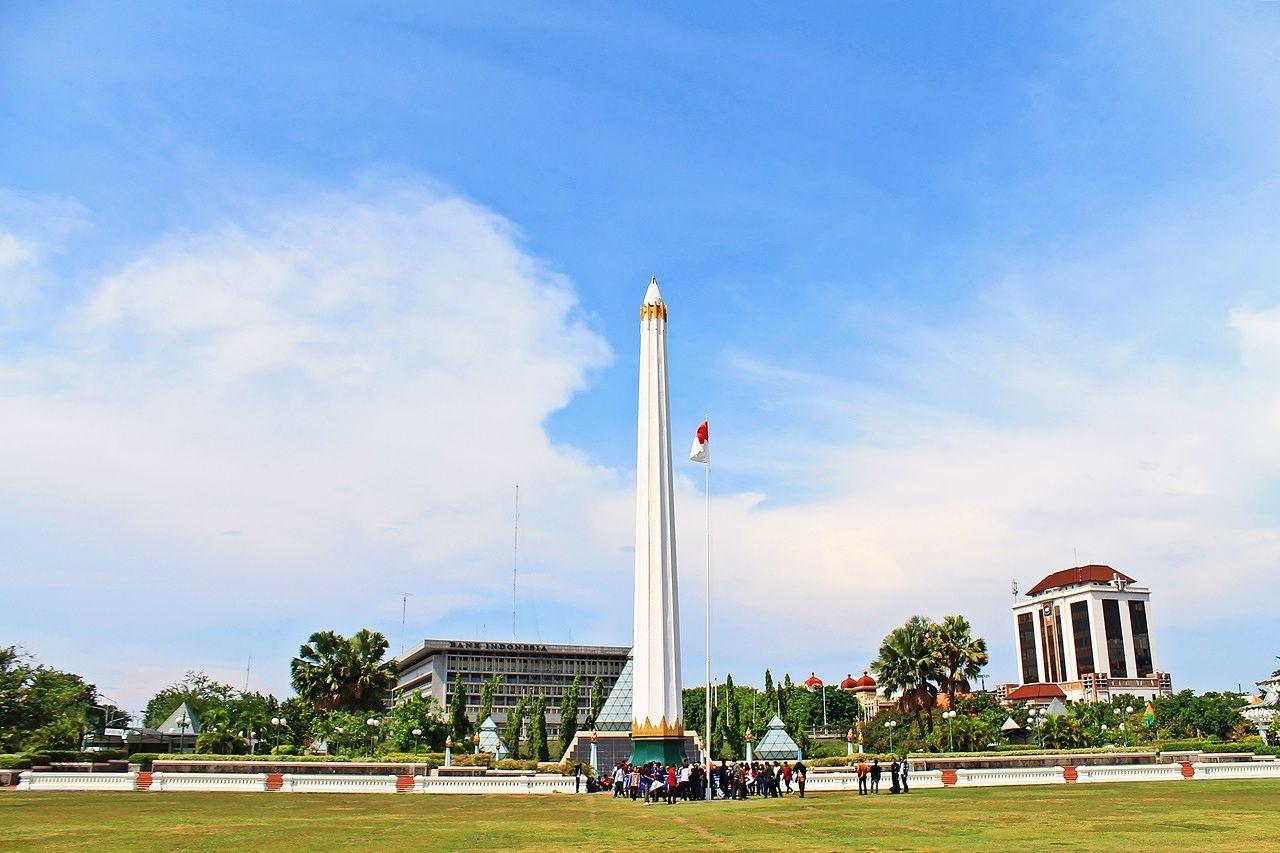 Pesona Indah Tugu Pahlawan Surabaya Keindahan Wisata Monumen Kota