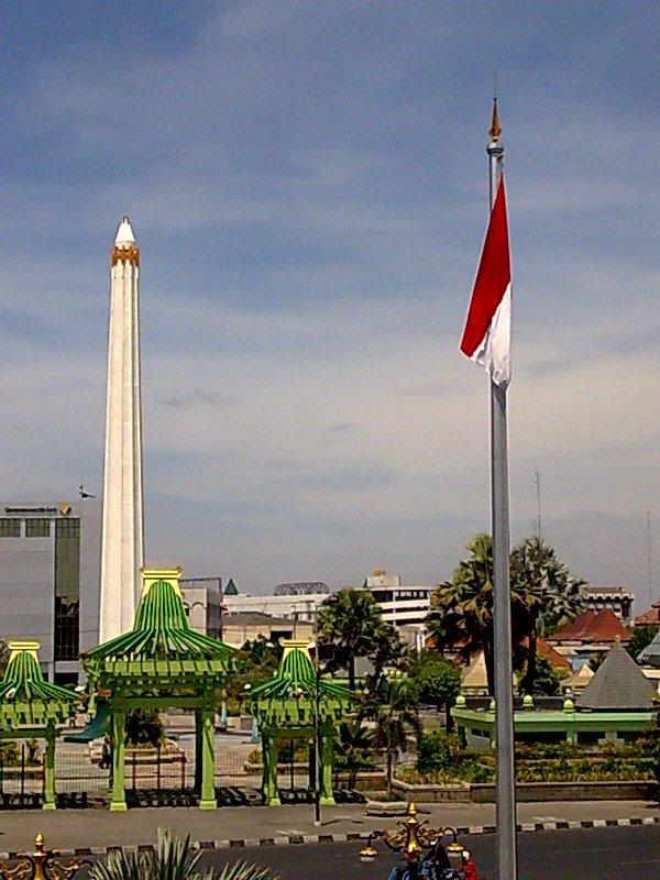 Tugu Pahlawan Koranlangit Surabaya Wisata Monumen Kota