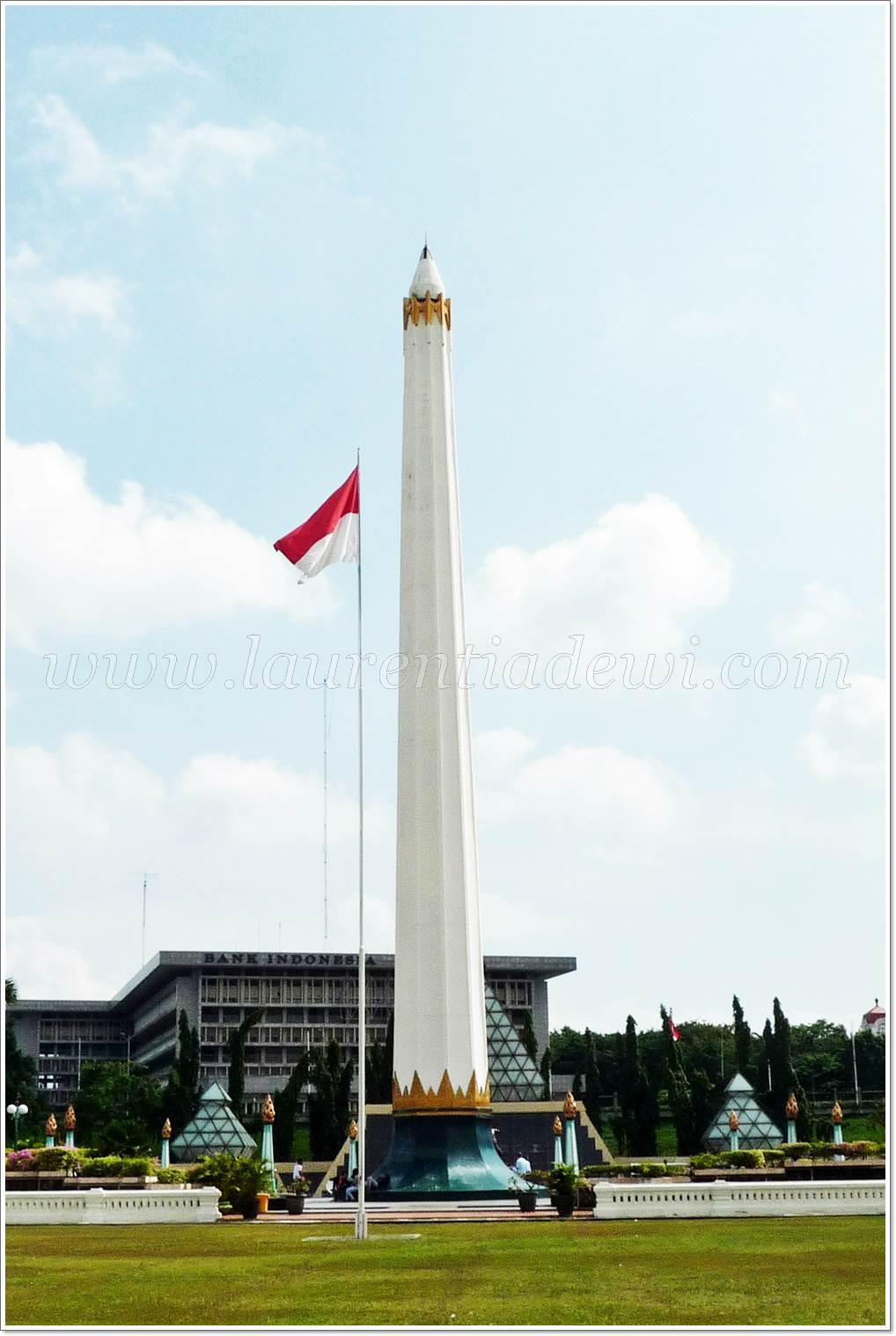 Tugu Pahlawan Surabaya Monumen Makam Tak Dikenal Sebuah Menjadi Markah