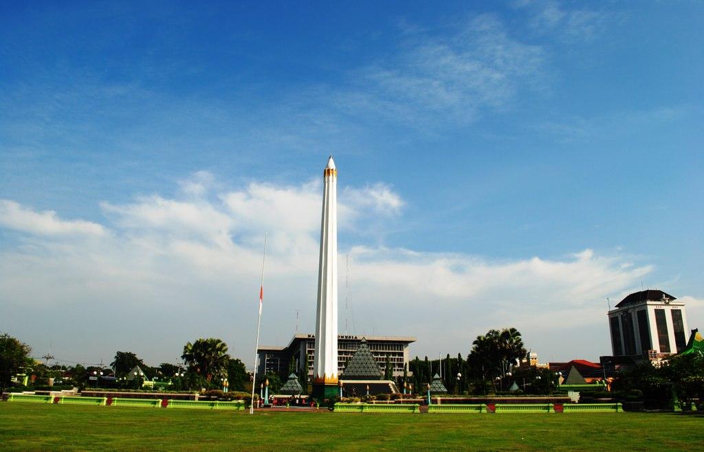 Wisata Sejarah Monumen Tugu Pahlawan Surabaya Jawa Timur Kota