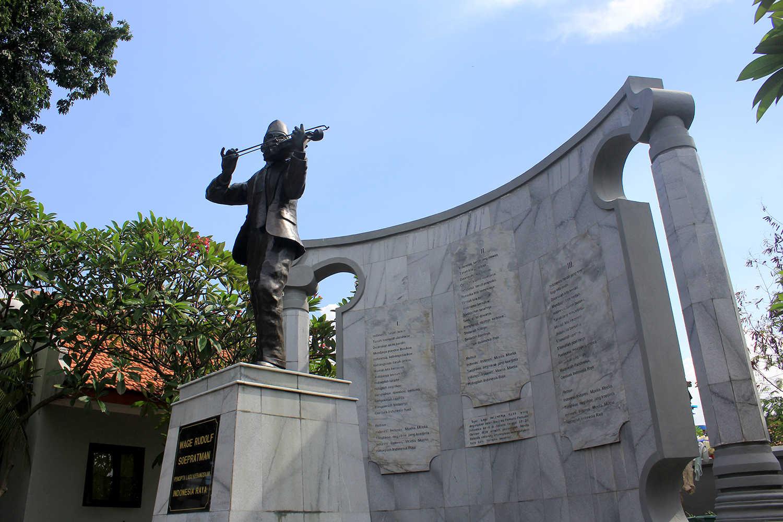 Meruntut Jejak Komponis Bangsa Wr Soepratman Surabaya Dk Jasad Supratman