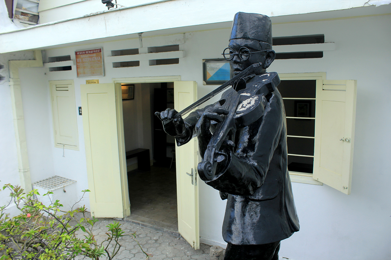Merunut Jejak Komponis Bangsa Wr Supratman Surabaya Ulin Dibawa Oleh