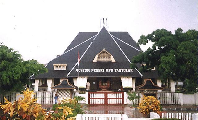 Objek Wisata Surabaya Larasati Pariwisata Museum Mpu Tantular Wr Soepratman