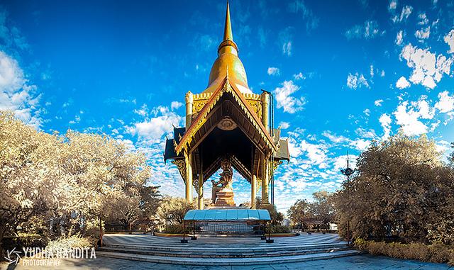 23 Hal Wajib Coba Berada Surabaya Berkunjung Patung Budha 4