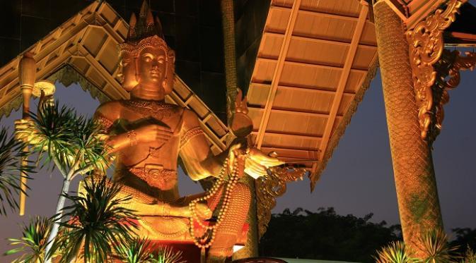 Bangkok Patung Buddha 4 Wajah Surabaya Lifestyle Liputan6 Wisata Empat