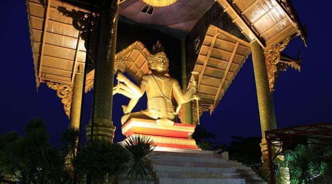 Bangkok Patung Buddha 4 Wajah Surabaya Terletak Kawasan Pantai Ria