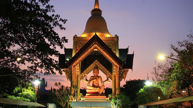 Bangkok Patung Buddha 4 Wajah Surabaya Wisata Empat Kota
