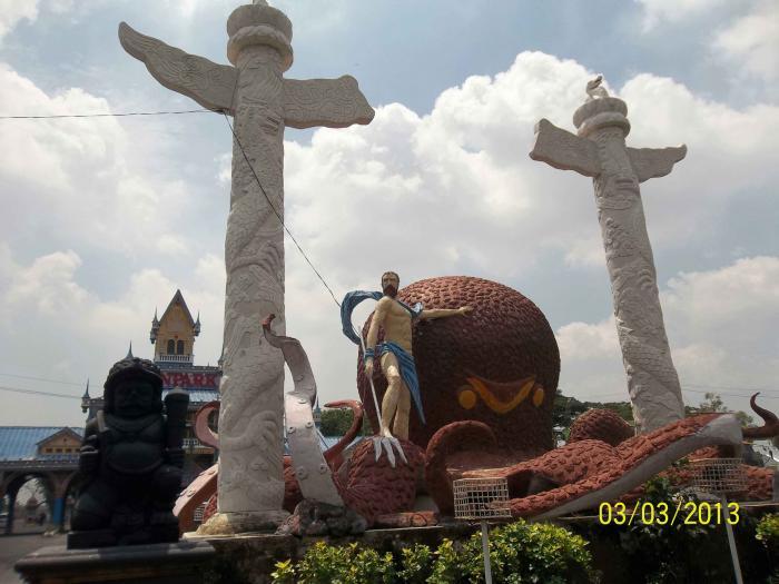 Berwisata Sambil Beribadah Menghadap Budha Berwajah Empat Oleh Mawan 13692090761758006833