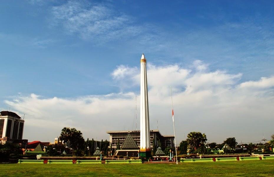 Daftar 5 Tempat Wisata Liburan Surabaya Paket Tour Tugu Pahlawan