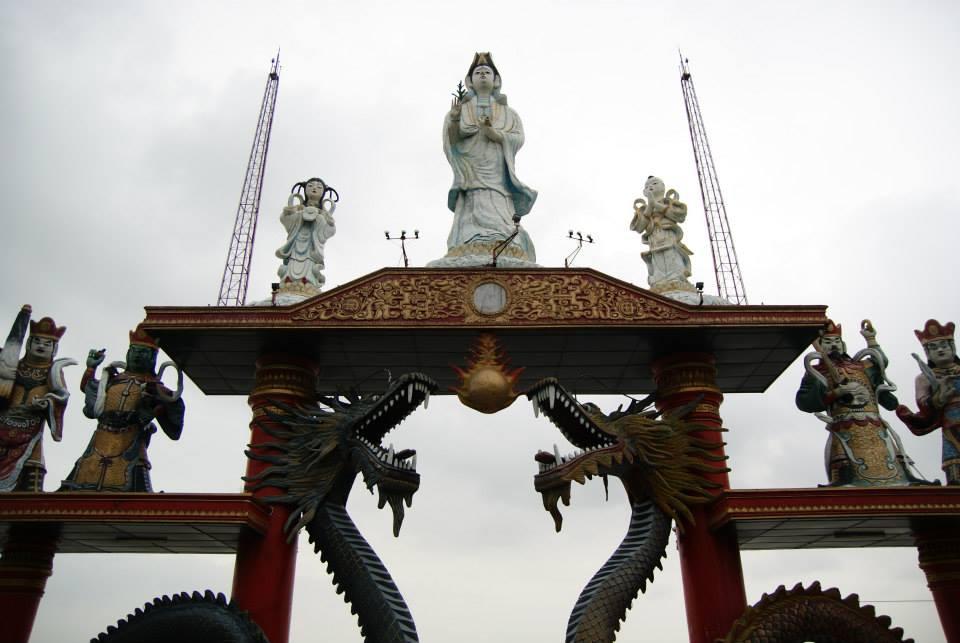 Kenpark Pantai Kenjeran Surabaya Wisata Klenteng Sanggar Agung Patung Dewi