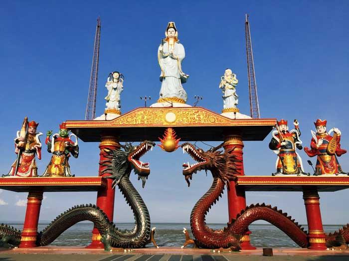 Klenteng Sanggar Agung Surabaya Berwisata Wisata Patung Buddha Empat Wajah