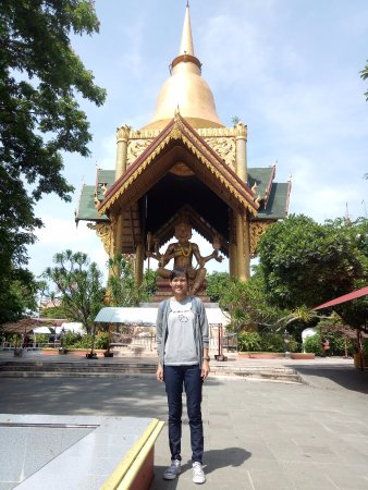 Patung Buddha Empat Wajah Surabaya Indonesia Review Wisata Kota