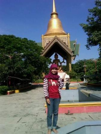 Patung Budha Empat Wajah Foto Pantai Kenjeran Surabaya Tripadvisor Wisata