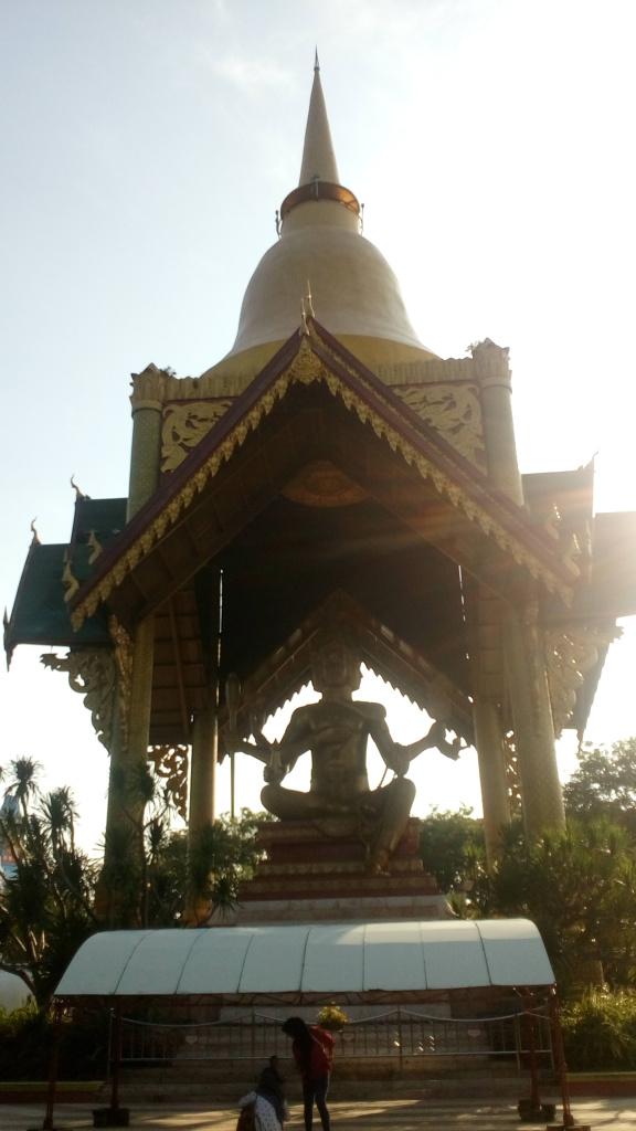 Patung Budha Empat Wajah Tertinggi Indonesia Pingin Merasakan Wisata Nuansa