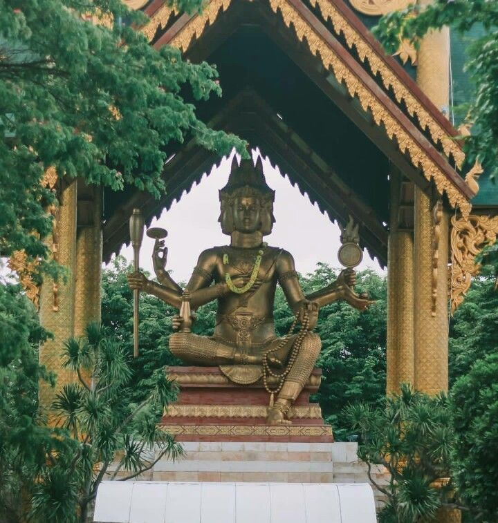 Tempat Wisata Surabaya Punya Spot Bak Luar Negeri Keren Patung