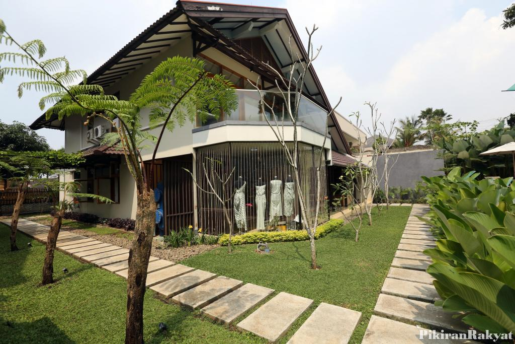 Wisata Belanja Nyaman Rumah Batik Cipaku Bandung Pikiran Rakyat Menurut