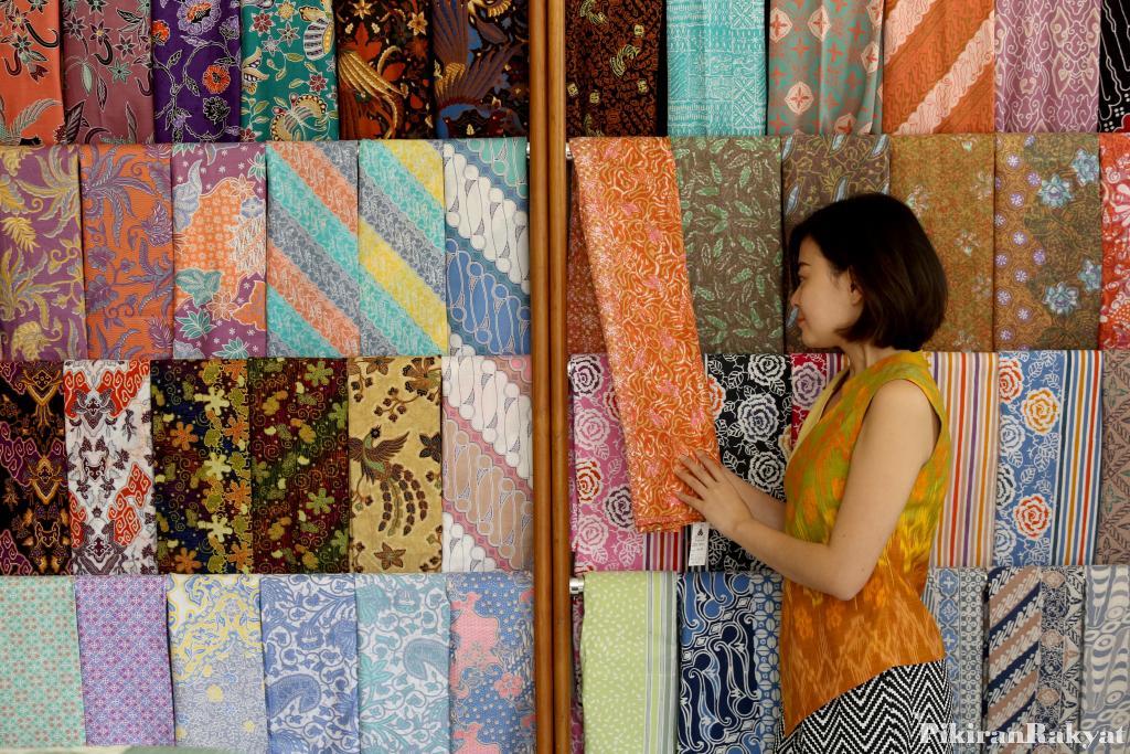 Wisata Belanja Nyaman Rumah Batik Cipaku Bandung Pikiran Rakyat Terlebih
