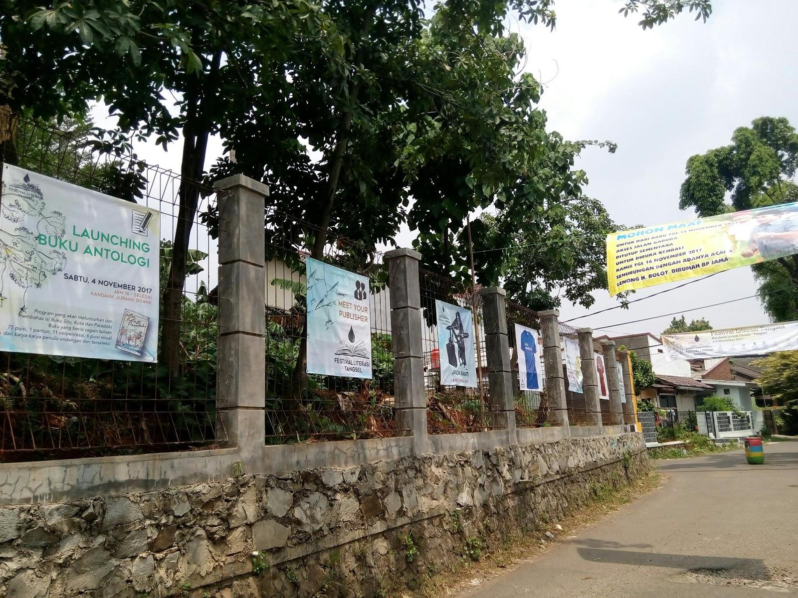 Dolan Kandank Jurank Doank Jalan Menuju Sudut Lain Terdapat Perpustakaan