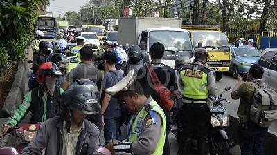 Warga Lengkong Tangerang Selatan Gelar Festival Religi Metro Tempo Operasi