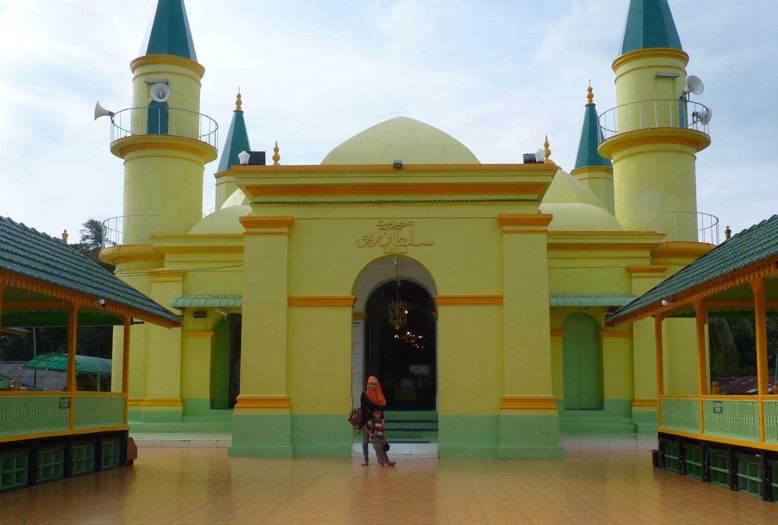 Eksotisme Tempat Wisata Pulau Penyengat Kepulauan Riau Jelajah Masjid Raya