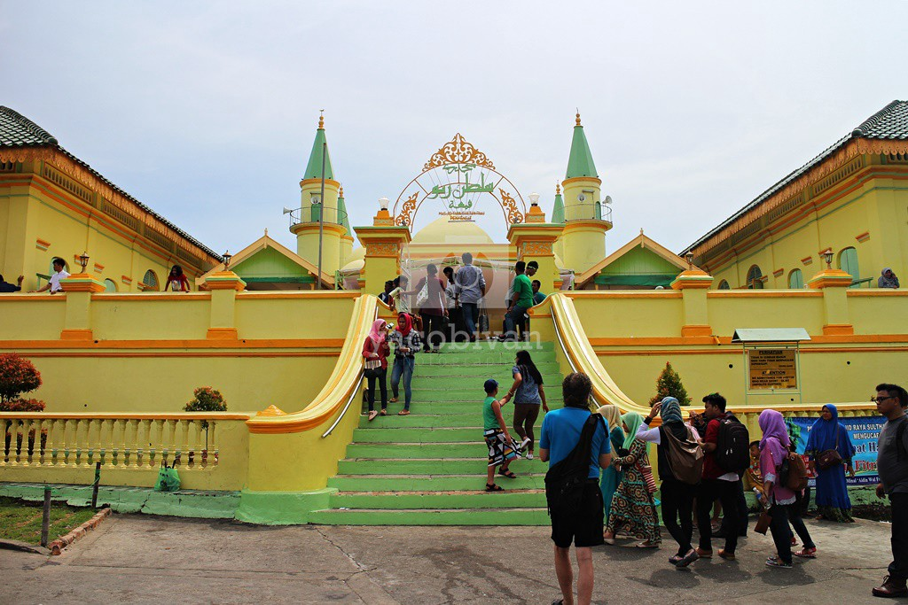 Kesultanan Lingga Jejak Imperium Melayu Pulau Penyengat Bukit Kursi Kota