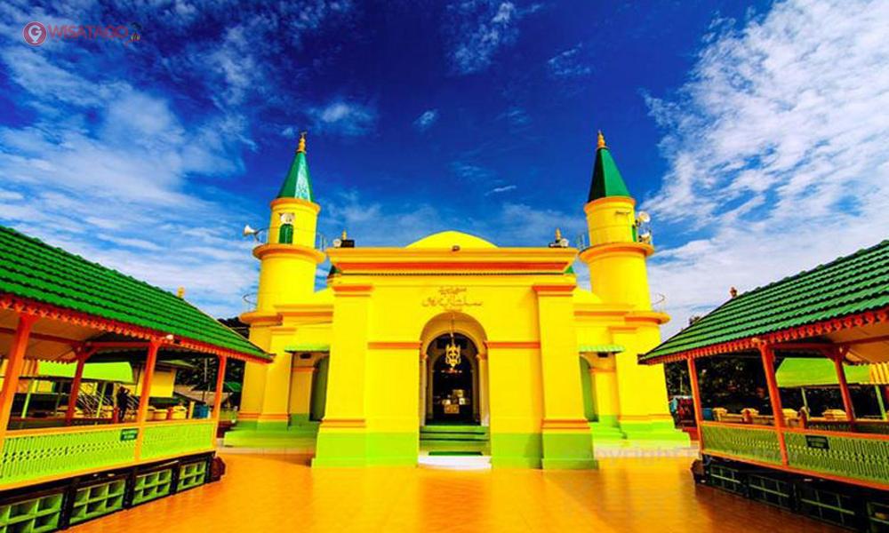 Megahnya Arsitektur Masjid Raya Sultan Riau Dibangun Mesjid Bukit Kursi