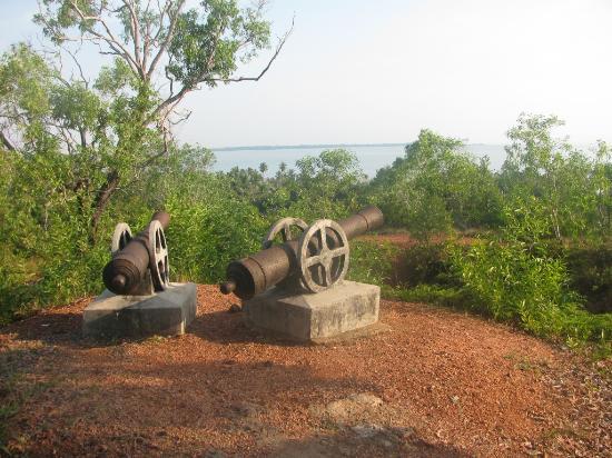 Meriam Bukit Kursi Picture Penyengat Island Tanjung Pinang Pulau Kota