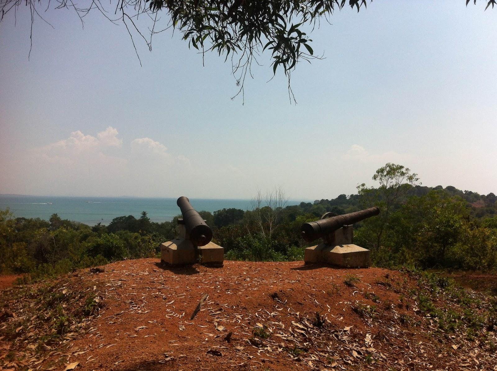 Pesona Historikal Cagar Budaya Pulau Penyengat Inderasakti Atas Benteng Bukit