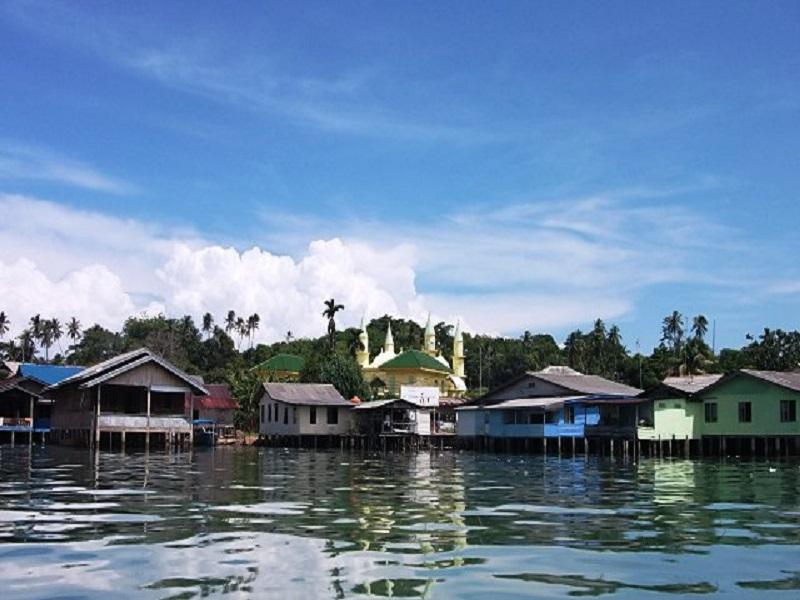 Pesona Wisata Tanjungpinang Pulau Penyengatriauandalas Riauandalas Bukit Kursi Penyengat Kota