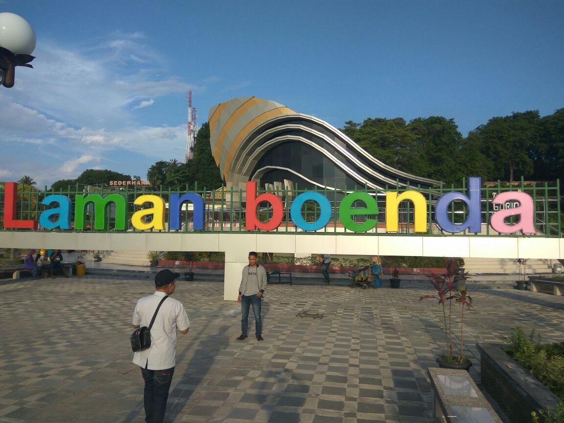 Gedung Gonggong Icon Selfi Kota Tanjungpinang Suarakepri Disaat