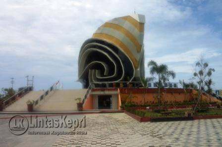 Isi Gedung Gonggong Memakan Biaya Belasan Milyaran Rupiah Icon Kota