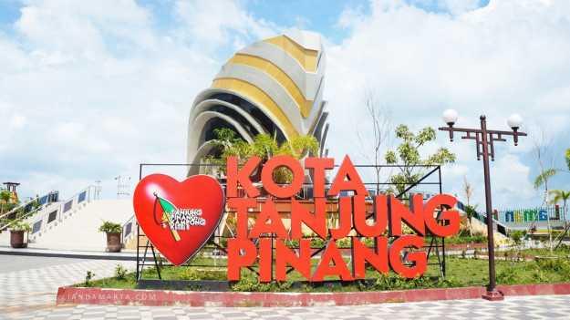 Jalan Tanjung Pinang Oleh Yudi Kita Kompasiana Gedung Gonggong Kota