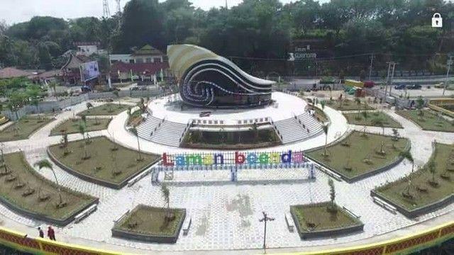 Wisata Patung 1000 Seribu Tanjung Pinang Gedung Gong Gonggong Kota