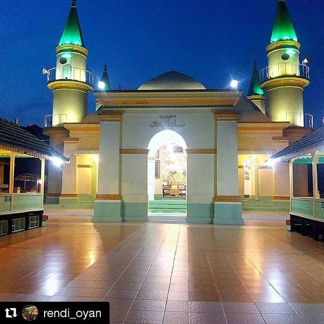 10 Tempat Wisata Tanjungpinang Kota Gurindam Masjid Raya Sultan Riau