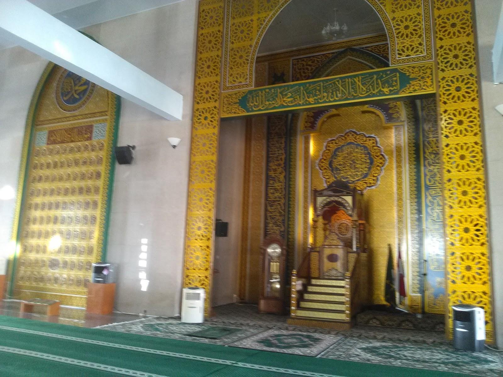 Hidup Inspirasi Nur Ilahi Masjid Anggun Atas Lautan Mimbar Sentuhan