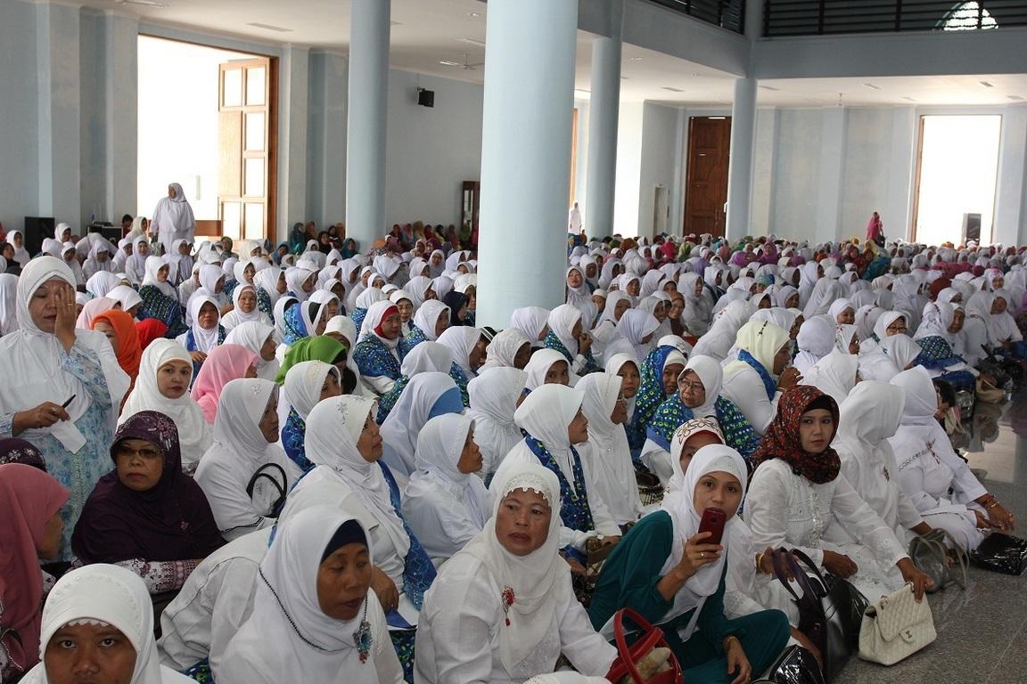 Jamaah Gabungan Majelis Taklim Se Kota Tanjungpinang Memadati Masjid Raya
