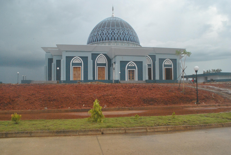 Masjid Dompak Jadi Tempat Piknik Masyarakat Isu Kepri Raya Kota